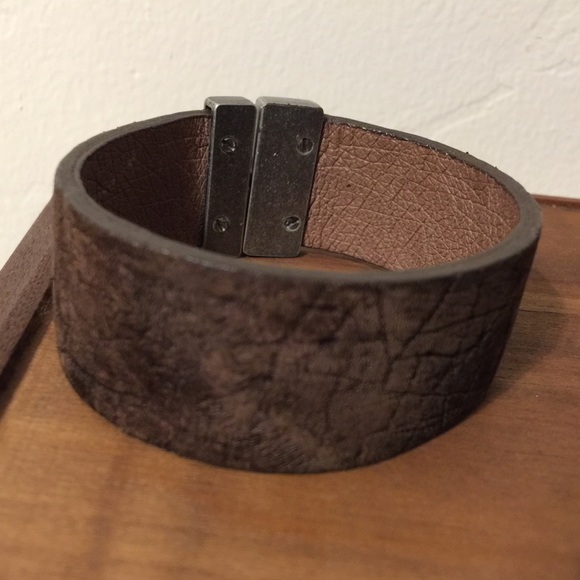 30b22c5e2fb76 Unisex bracelet 100% handcrafted with hippo hide